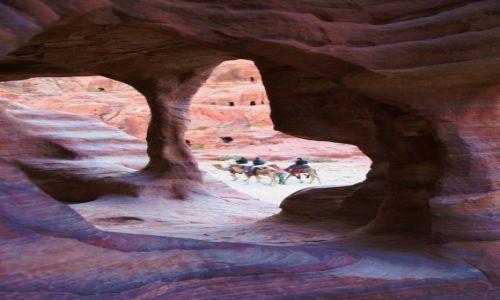 Zdjęcie JORDANIA / Południowo-Zachodnia Jordania / Petra / W skalnym mieście