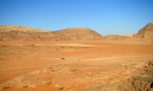 Zdjęcie JORDANIA / południowa Jordania / Pustynia Wadi Rum / Przestrzeń