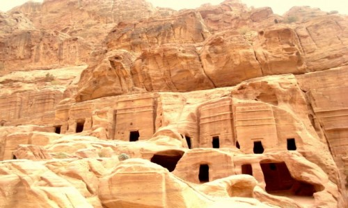 Zdjecie JORDANIA / xxx / Petra / Domy w skale