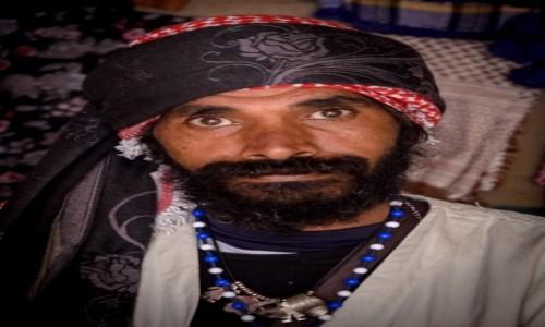 Zdjecie JORDANIA / Petra / w beduińskim namiocie / przy herbacie...