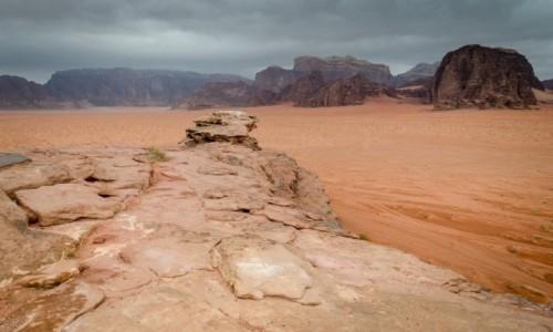 Zdjecie JORDANIA / Wadi Rum / pustynia / formy...