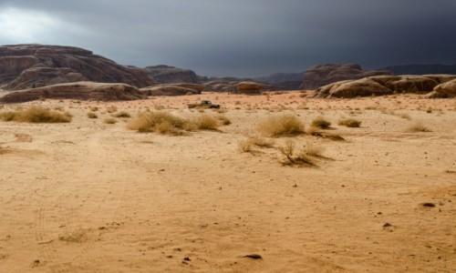Zdjecie JORDANIA / Wadi Rum / pustynia / złe...
