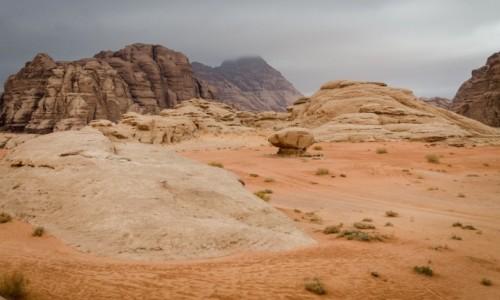 Zdjecie JORDANIA / Wadi Rum / pustynia / grzyb...