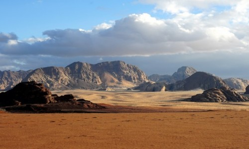 JORDANIA / Pustynia Wadi Rum / . / Białe piaski