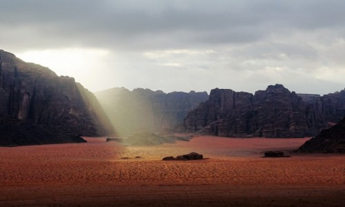 JORDANIA / Pustynia Wadi Rum / Red Mountain Camp / Blessing
