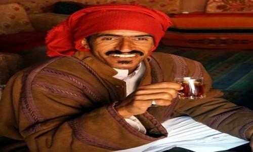Zdjecie JORDANIA / Pustynia Wadi Rum / Red Mountain Camp / Rozmowy przy beduińskiej herbatce