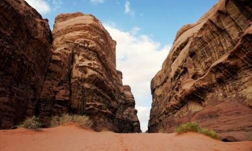 Zdjecie JORDANIA / Wadi Rum / Abu Khashaba Canyon / Potęga..