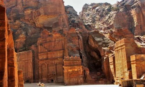 Zdjecie JORDANIA / Petra / Ruiny miasta Nabatejczyków / Spacerkiem po Petrze