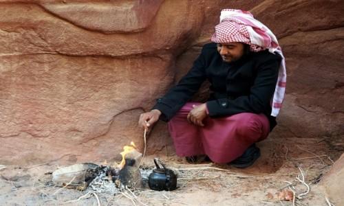 Zdjecie JORDANIA / Wadi Rum / Abu Khashaba Canyon  / Herbatka w wąwozie