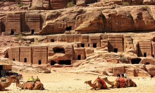 Zdjecie JORDANIA / Petra / Petra / Grobowce w mieście Nabatejczyków