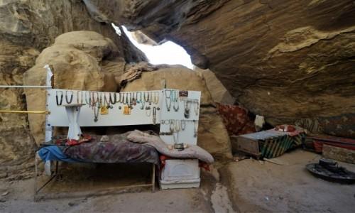 Zdjęcie JORDANIA /  Muhafaza Ma'an / Mała Petra  / Jaskiniowy kramik