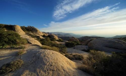 Zdjęcie JORDANIA / Tafilah / Rezerwat biosfery Dana / Czas wracać, gdy słońce maluje skały