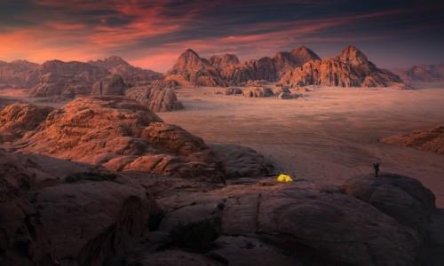 JORDANIA / Wadi Rum / Wadi Rum / Biwak na Wadi Rum
