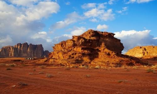 Zdjecie JORDANIA /  Pustynia Wadi Rum  / . / Formacje skalne