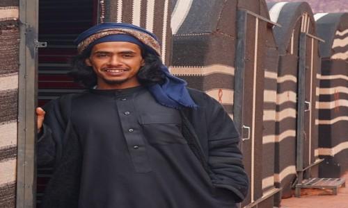 Zdjecie JORDANIA / Pustynia Wadi Rum / . / Zapraszam do środka