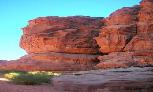 Zdjecie JORDANIA / brak / czerwona pustynia / ciekawe formy skalne