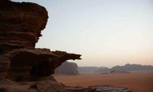 Zdjecie JORDANIA / brak / Wadi Ramm / tuz po zachodzi