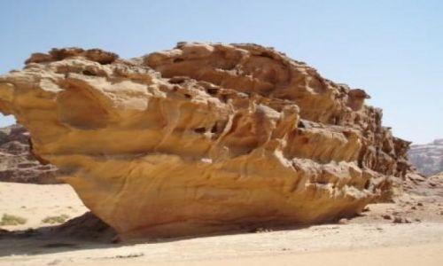 Zdjecie JORDANIA / brak / Pustynia Wadi Rum / Statek