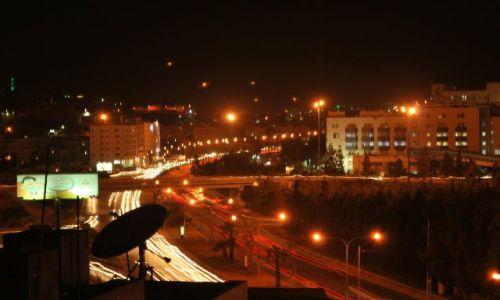 Zdjecie JORDANIA / Amman / Amman / Stolica Jordani nocą