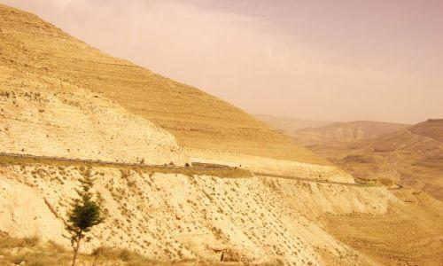 Zdjęcie JORDANIA / brak / Wadi Musa / Uroczysko