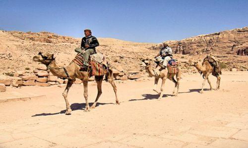 Zdjecie JORDANIA / brak / Petra / Jedżcy pustyni