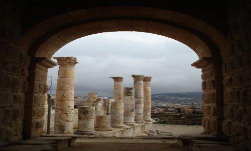 Zdjęcie JORDANIA / Jarash / Jarash / Świątynia Zeusa (2)