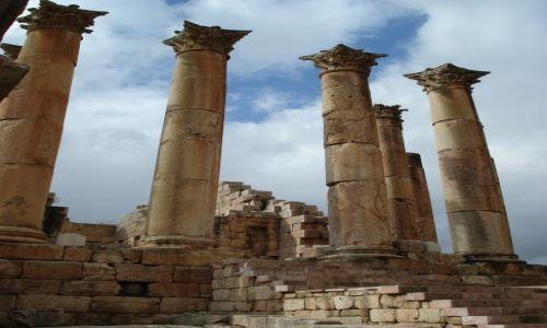 Zdjęcie JORDANIA / Jarash / Jarash / Kolumnny świątyni Artemidy