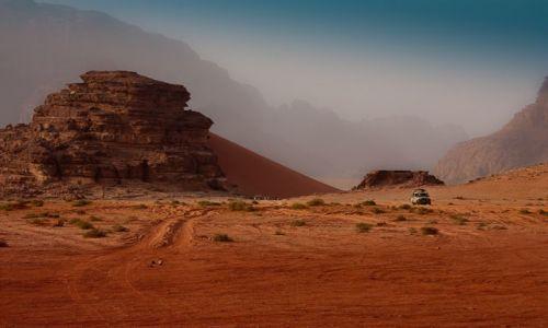 Zdjecie JORDANIA / Jordania / Wadi Rum / Na pustyni Wadi Rum