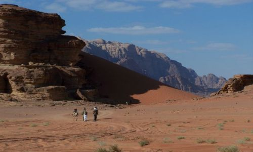 Zdjęcie JORDANIA / pd. Jordania / Wadi Rum / Na pustyni Wadi Rum...