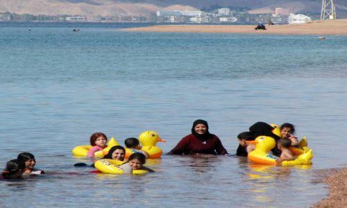 Zdjęcie JORDANIA / Akaba / Plaża / Kąpiel w Morzu Czerwonym