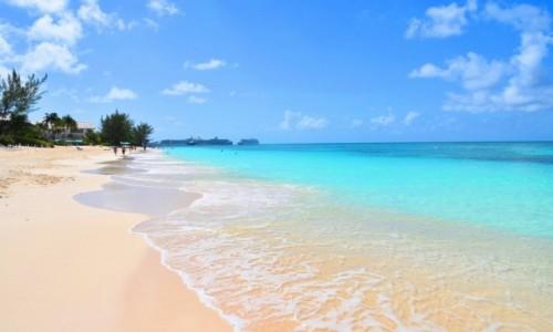 Zdjecie KAJMANY (WIELKA BRYTANIA) / Wyspa Wielki Kajman / okolice George Town / Siedmiomilowa plaża na Kajmanach