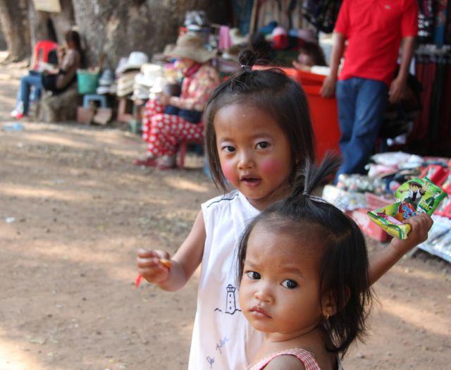 Zdjęcia: Angkor Wat, Siam Reap, Siostry, KAMBODżA
