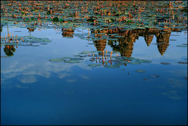 Zdjęcia: Angkor Wat, Siem Reap, w tafli wody, KAMBODżA