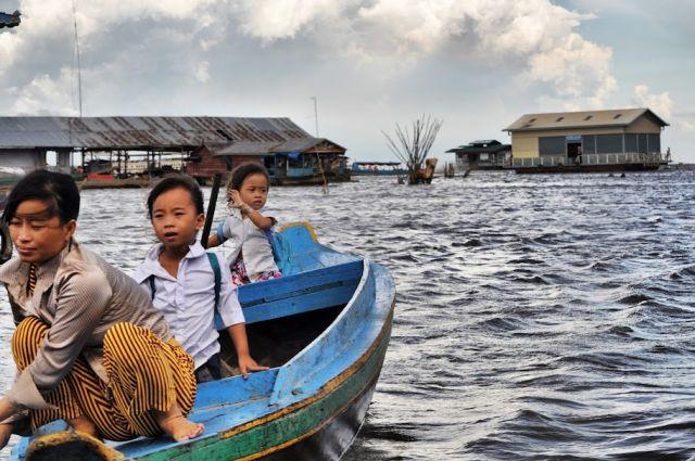 Zdjęcia: wioska na tonle sap, way to school, KAMBODżA