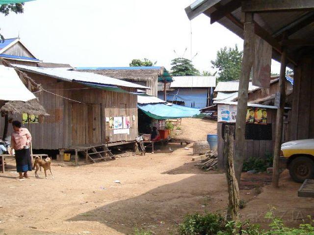 Zdjęcia: wschodnia czesc kraju , wieś, KAMBODżA