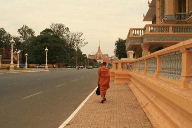 Zdjęcia: Phnom Penh, W drodze na uniwersytet buddyjski, KAMBODżA