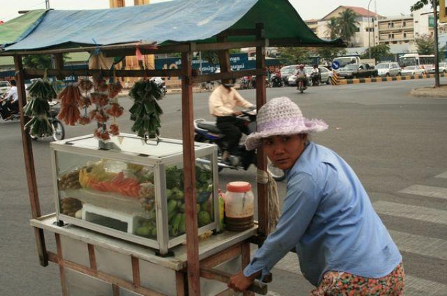 Zdjęcia: Phnom Penh, Stragan, KAMBODżA