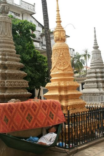 Zdjęcia: Phnom Penh, Śpioch uliczny2, KAMBODżA