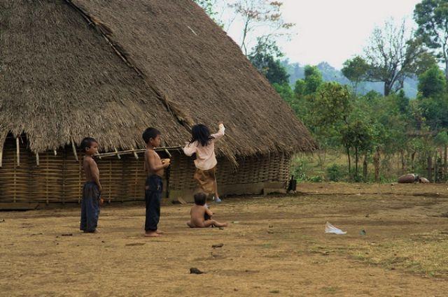 Zdjęcia: Mondulkiri, Dzieci z wioski, KAMBODżA