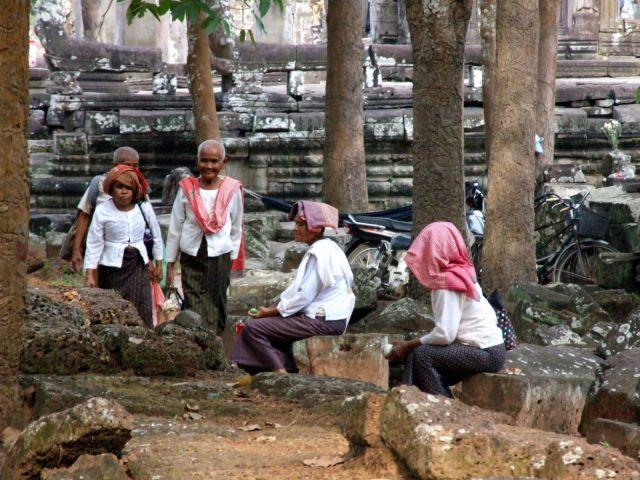 Zdj�cia: Swi�tynie Angkor, Siem Reap, Meczace to zwiedzanie, KAMBOD�A