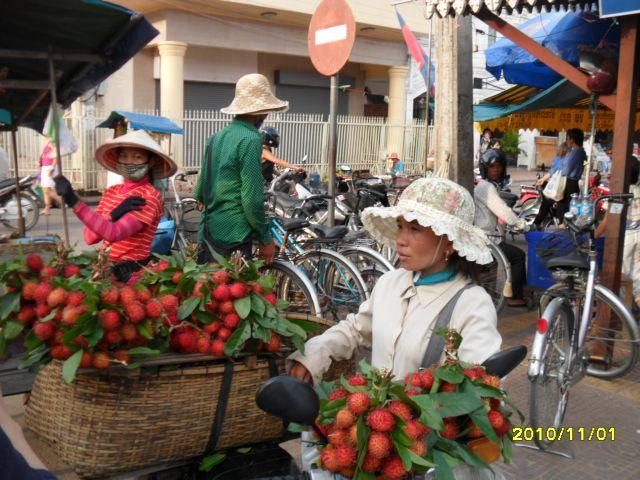 Zdjęcia: ..., phnom penh, sliwki liczi, KAMBODżA