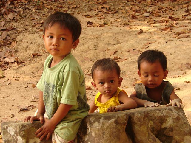 Zdj�cia: Angkor, Dzieci , KAMBOD�A