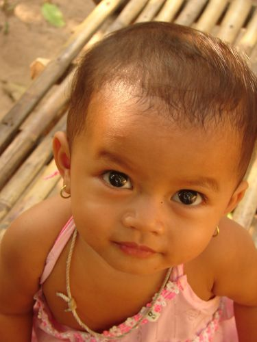 Zdjęcia: Angkor , mała khmerka , KAMBODżA