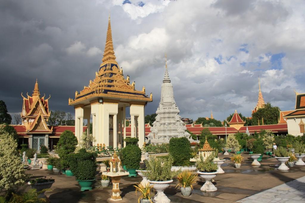 Zdjęcia: Phnom Penh, Phnom Penh, Srebrna Pagoda, KAMBODżA
