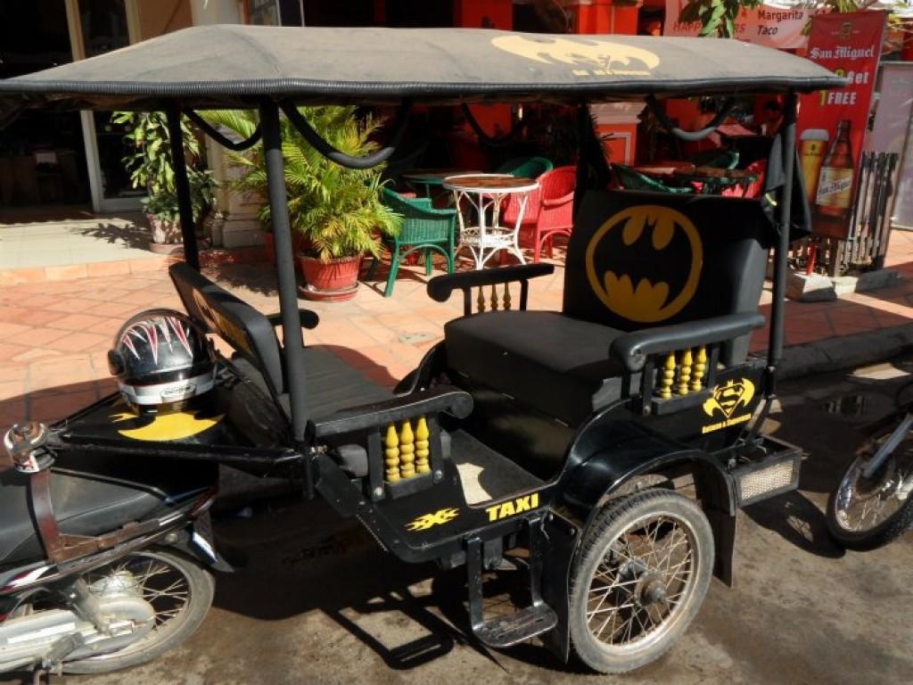 Zdjęcia: Siem Reap, Siem Reap, Batmobile, KAMBODżA