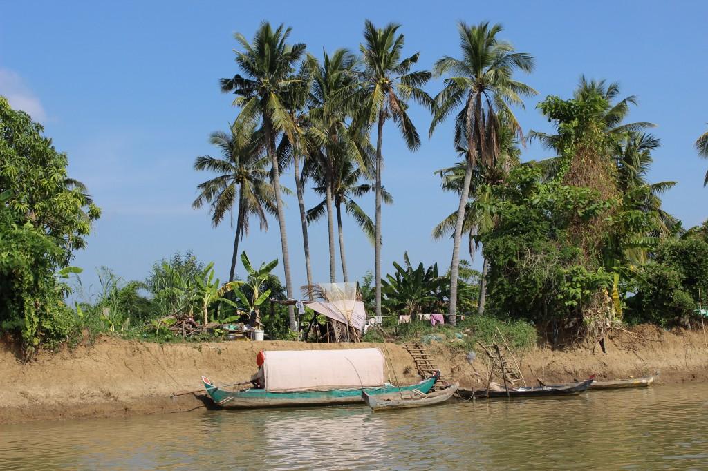 Zdjęcia: Tonle Sap, Tonle Sap, Na brzegu rzeki, KAMBODżA