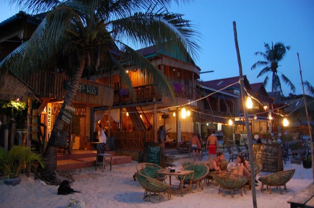 Zdjęcia: Koh Rong Island, 'Beach Bar' , KAMBODżA
