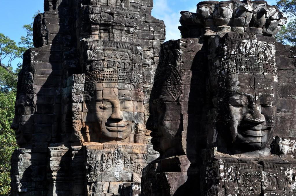 Zdjęcia: Angkor, Okolice Siem Reap, Twarze  w świątyni Bajon, KAMBODżA