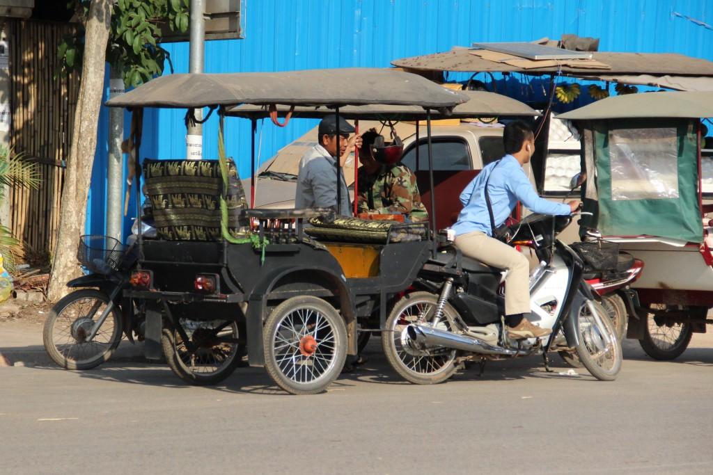 Zdjęcia: Siem Reap, Siem Reap, Tuk tuki, KAMBODżA