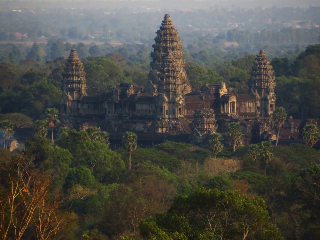 Zdjęcia: Świątynia Phnom Bakheng, Angkor, Angkor Wat - widok z Phnom Bakheng, KAMBODżA